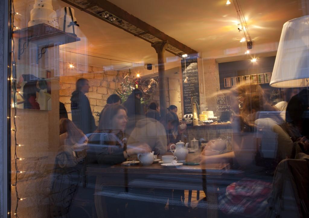 SUGARPLUM CAKE SHOP 68 rue du Cardinal Lemoine 75005 Paris ♦ +33 (0) 1 46 34 07 43 ♦ info@sugarplumcakeshop.com Photographies: Julie Charles